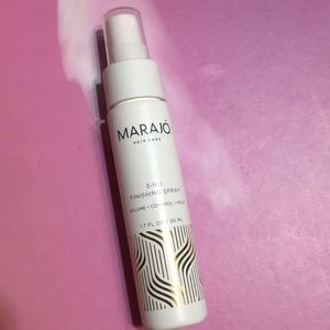 💋4/$26! Marajó 3-in-1 finishing spray